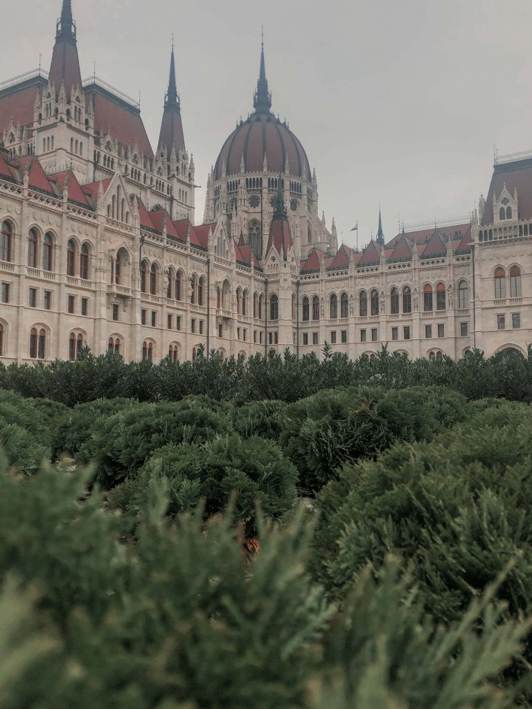 4 days in Budapest the parliament